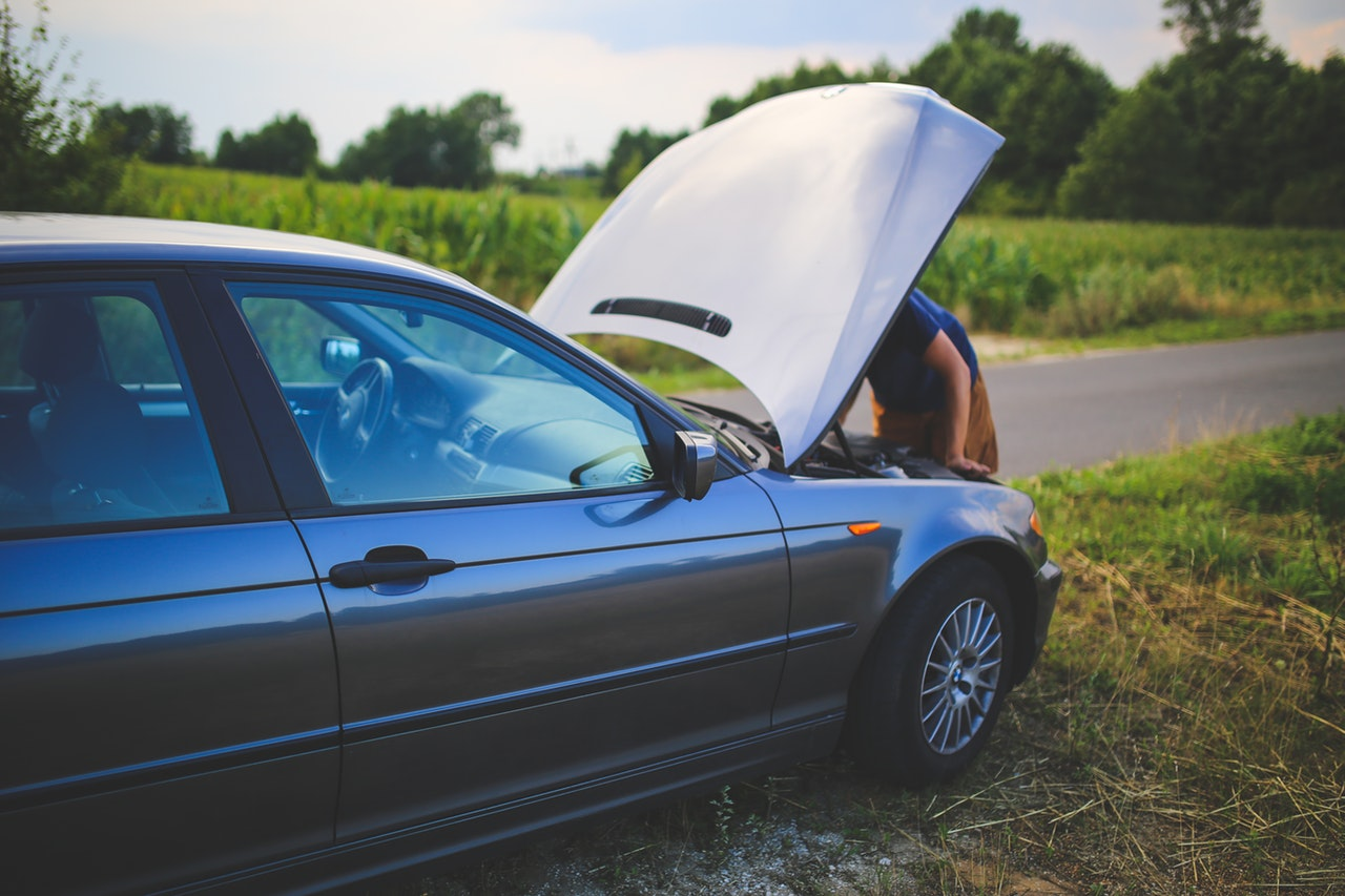 What to do if Your Car Breaks Down While Driving